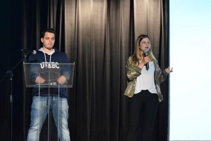 Victor Novis e Mariana Gallian