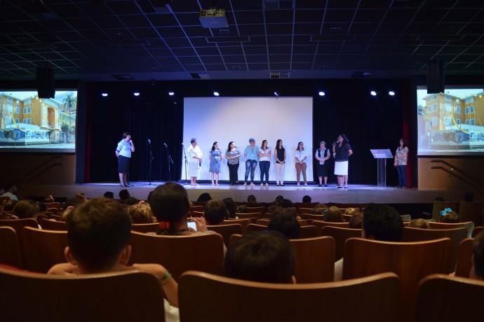 Convidados das unidades beneficiadas e Colaboradores da Administração Central da ACF se apresentam aos estudantes