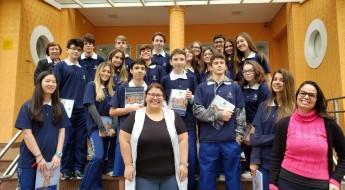Estudantes do 9º ano e parte da equipe pedagógica.